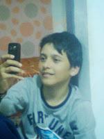 Baiat 13 ani, sector 4 Bucuresti, id mess alexandru_123