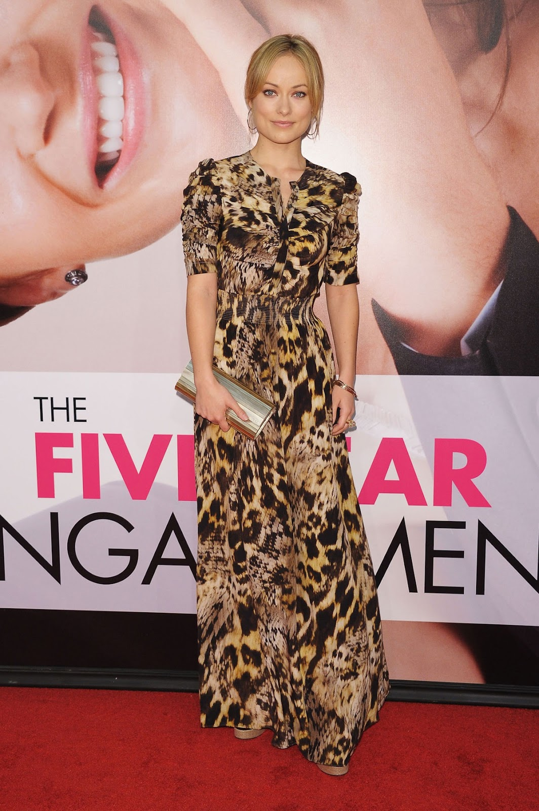 http://2.bp.blogspot.com/-DOYVxmZ-MEY/T5BBzIa1eBI/AAAAAAAABCM/wPI0cT6RmMk/s1600/OLIVIA-WILDE-at-The-Five-Year-Engagement-Premiere-in-NY-01.jpg