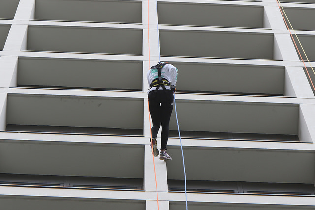 Me down the building shatterproof rappel event