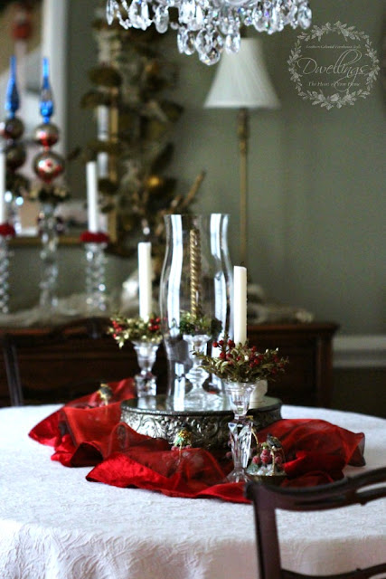 Christmas centerpiece in the dining room