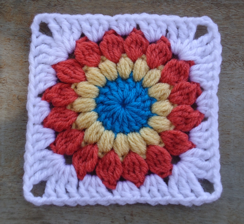 Free Crochet Granny Square Patterns For Beginners : Stitch of Love: ~ Sunburst Granny Square