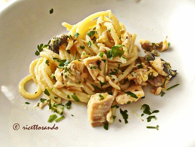Spaghetti con trota salmonata ricetta primi patti di pesce