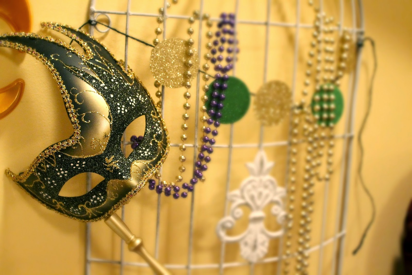 mask, beads, mardi gras