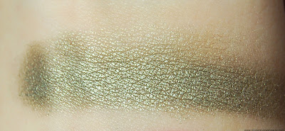L'Oreal Infallible 24 Hr Eye Shadow in Golden Sage Swatch