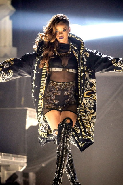 rihanna diamonds world tour Buy rihanna tickets from the official ticketmastercom site find rihanna tour schedule, concert details, reviews and photos.