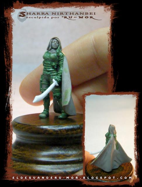 """Miniatura a escala 28mm del personaje de rol de Aventuras en la Marca del Este """"Sharra Nirthanbei"""", realizada por ªRU-MOR"""