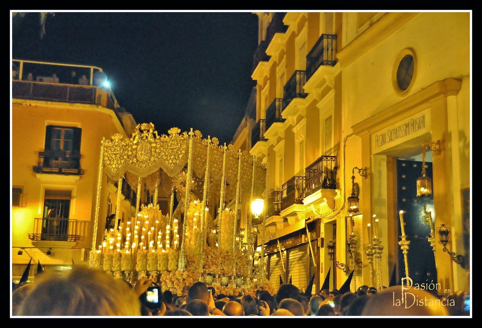Fotos Entrada del Palio de la Virgen del Rosario de Montesión Jueves Santo 2014 Sevilla Semana Santa