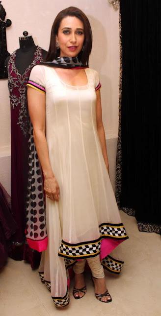 Karisma at designer Archana Kochhar's Gitanjali store