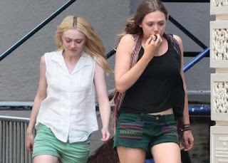 Dakota Fanning & Elizabeth Olsen: Smoldering on