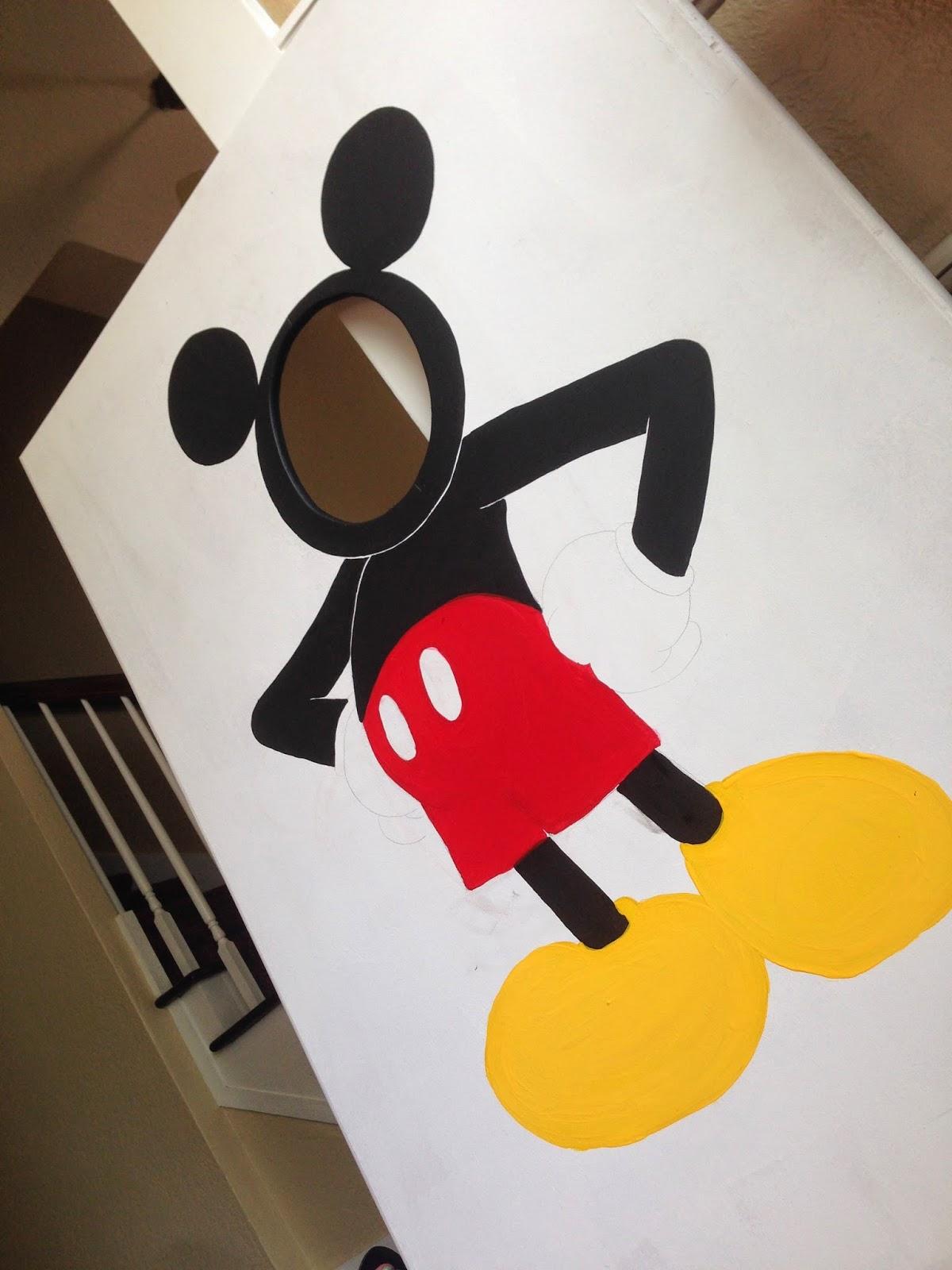 Mickey Mouse Face In Hole Photo Tutorial Hey Kimberlea