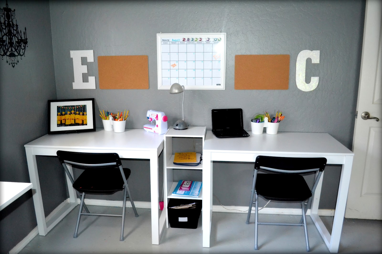 Dabblebyderinda my new craft space - Kid desks for small spaces collection ...