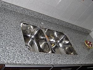 Amobla tu cocina marmoleria for Precio de granito para mesada