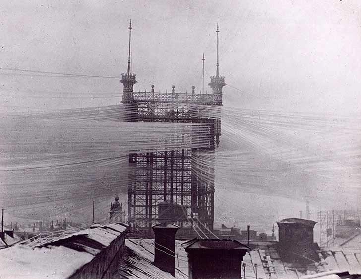 Cables telefónicos en el pasado