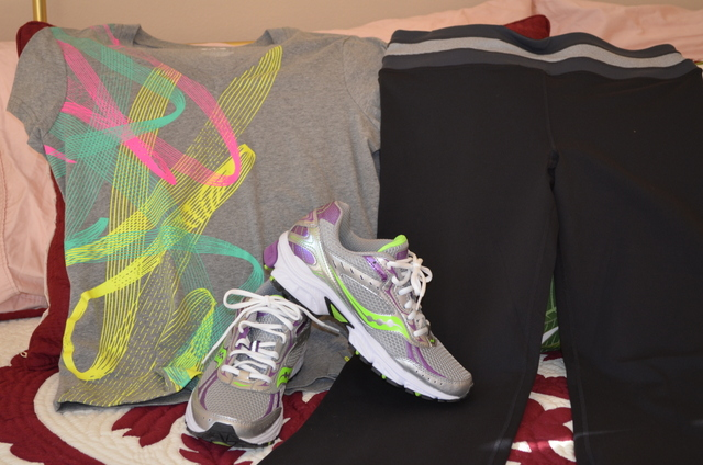 Saucony, t-shirt, exercise pants