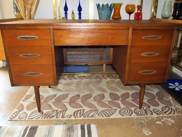 Luxury Mid Century Austin Find Broyhill Desks