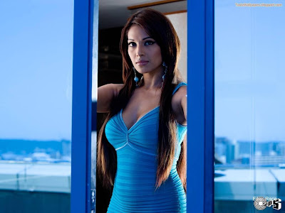 Bipasha Hot hd wallpaper blue hot dress