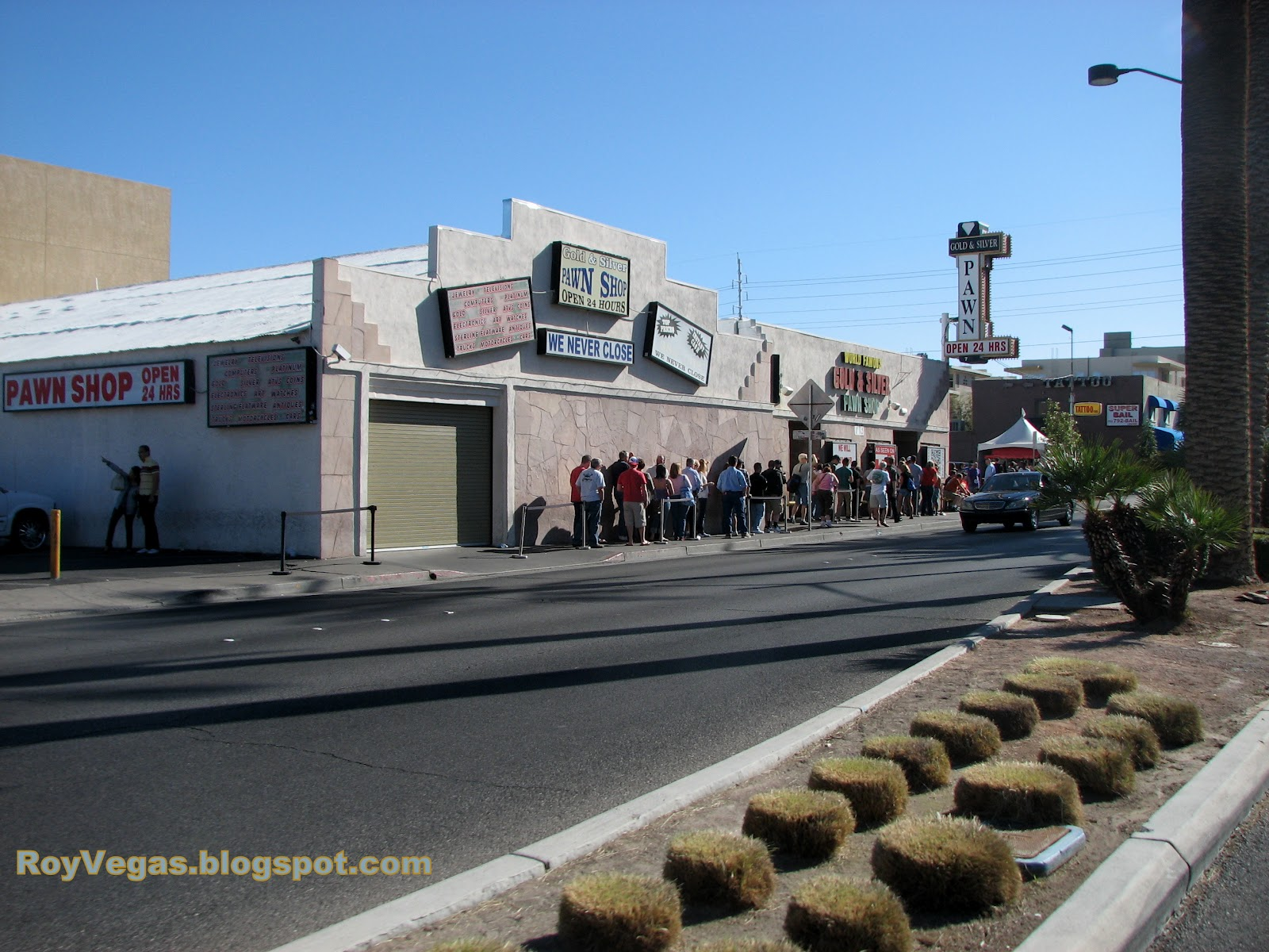 pawn stars is filmed at the world famous gold silver pawn shop 713 las