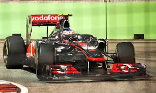 Gambar Mobil Balap F1 McLaren 01