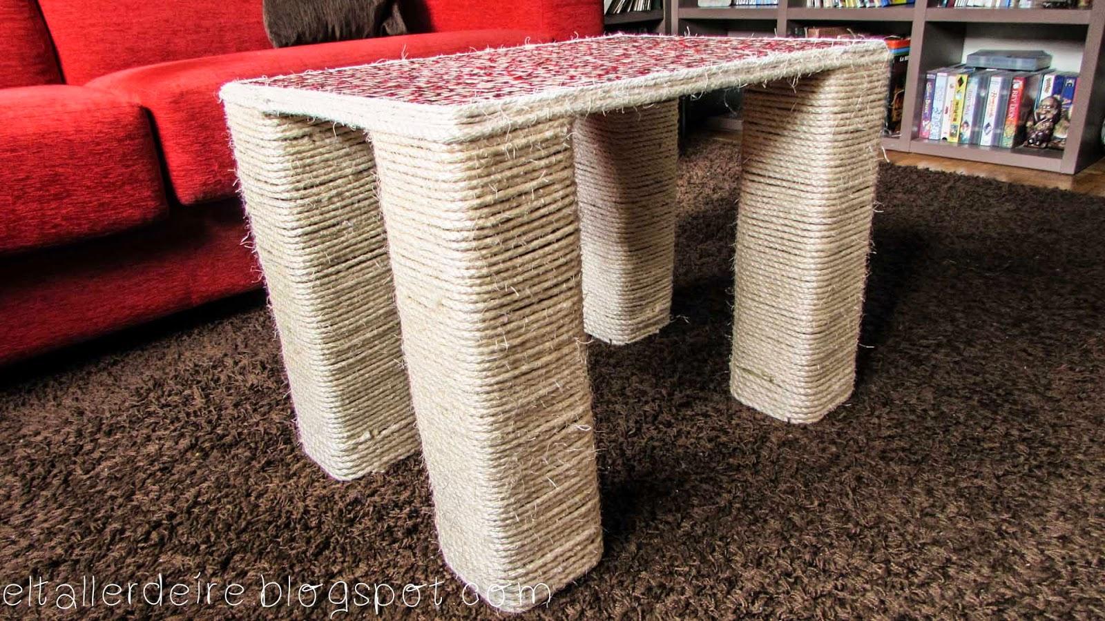 Cómo hacer una mesa con cartón y una tabla de madera | El Taller de Ire