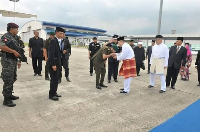 Sultan Kelantan Ziarah Makam Tunku Jalil