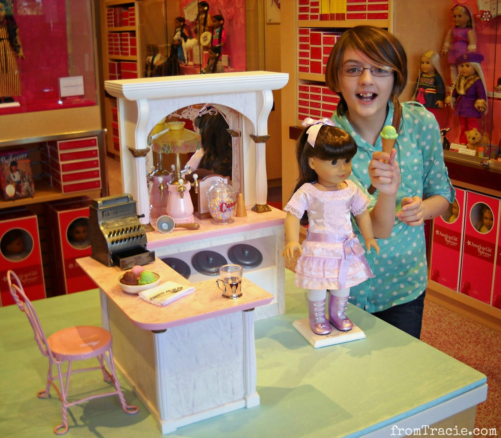 Samantha Parkington Ice Cream Parlor | American Girl Doll