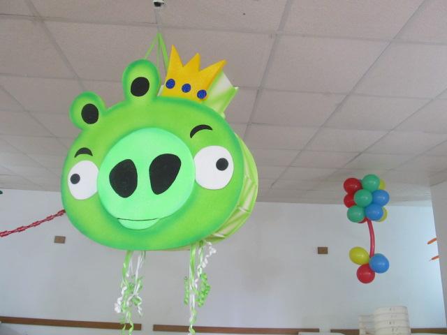 Pi atas en icopor para fiestas infantiles for Decoracion de pinatas infantiles