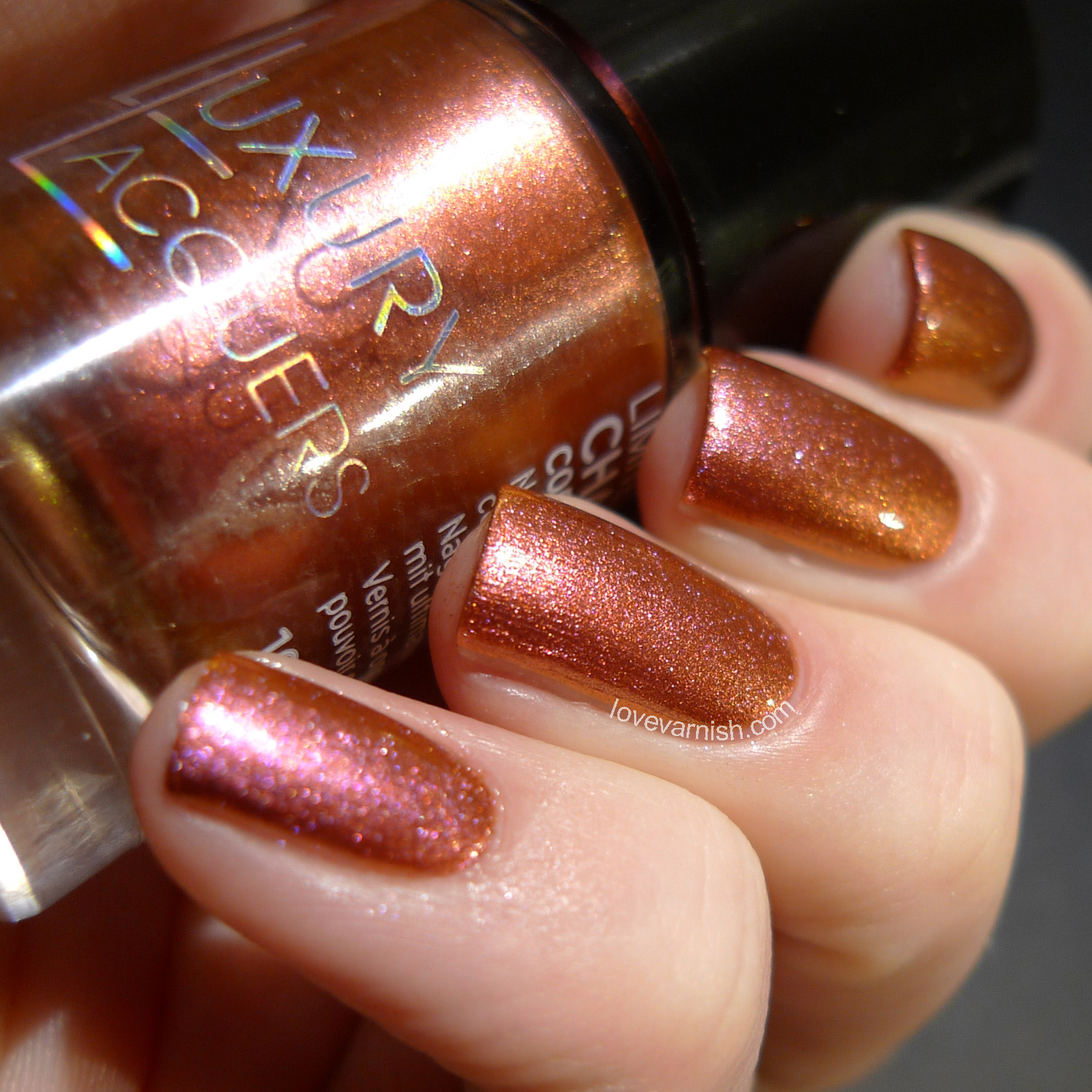 Catrice Luxury Lacquers Chameleon Chromeo & Julia orange pink duochrome polish
