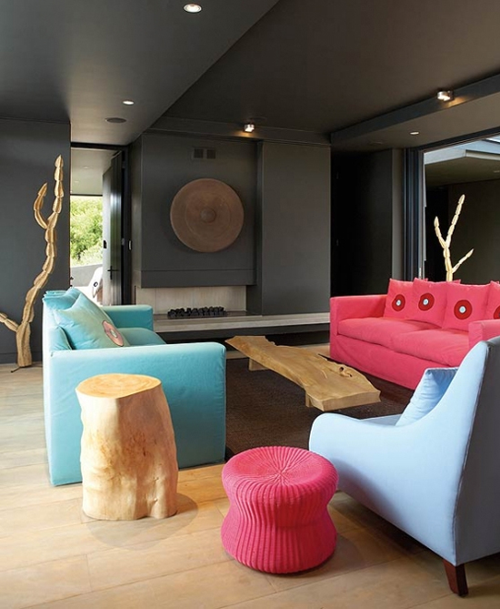 Safari Fusion blog | Tickled pink | Interior designer Stephen Falcke was briefed to brighten up the living room of this Boggams Bay holiday home in South Africa