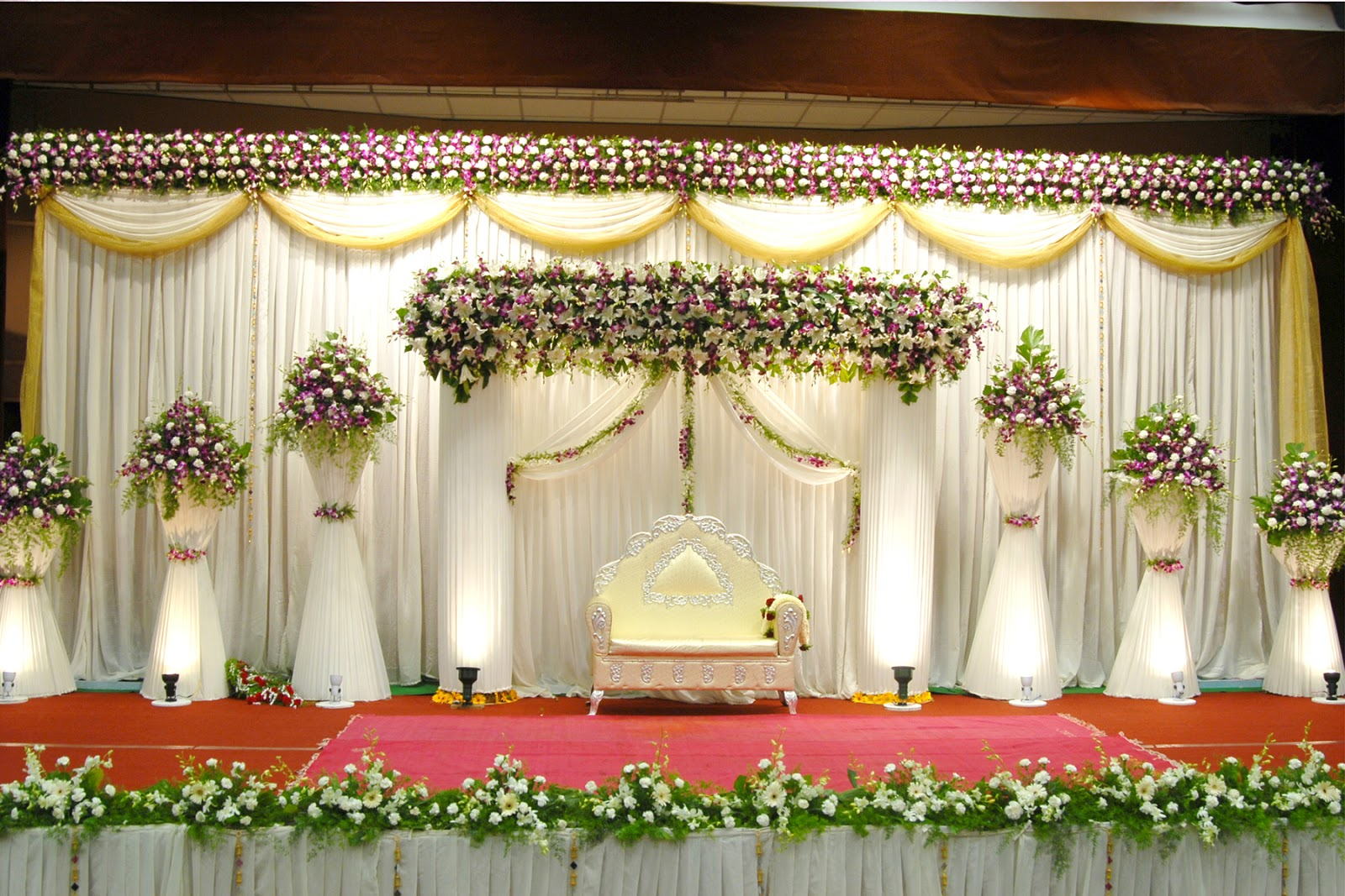 Wedding hall decoration pictures romantic decoration for Wedding hall decoration items