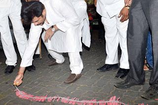 Anil Kapoor & Sonam Kapoor celebrate Diwali