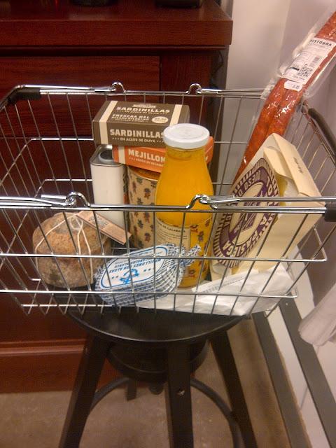 groceries at Petra Mora