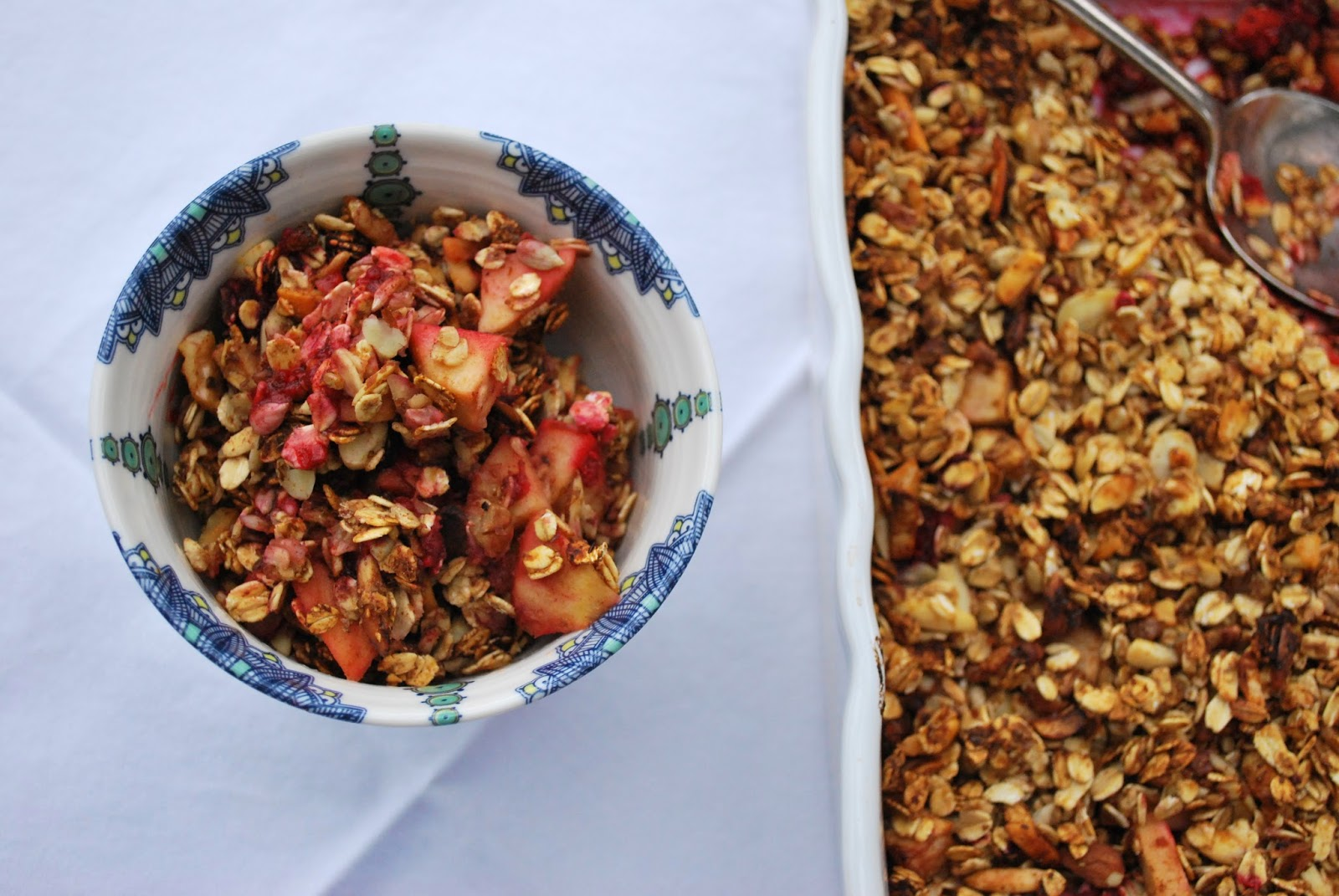 {Raspberry & Apple Granola Crumble} Raspberries and apples make a great pairing in this wholesome dessert, which only calls for a little bit of added sugar and a variety of good-for-you ingredients! Top with a scoop of Greek yogurt or serve plain for a nutritious, sweet treat.