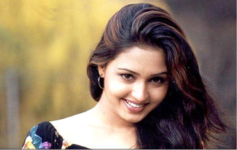 Tamil Actress Gajala Hot Stills Gajala Hot Navel Show hot images