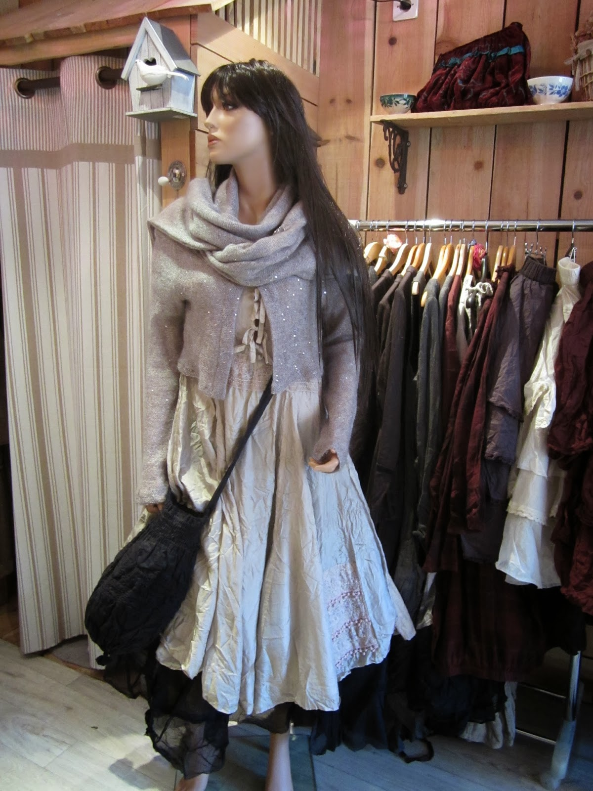 les armoires d 39 hortensia robe de f tes. Black Bedroom Furniture Sets. Home Design Ideas