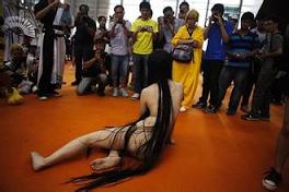Boleh Tahan Ke Pameran Cosplay Mempamerkan Watak Bogel