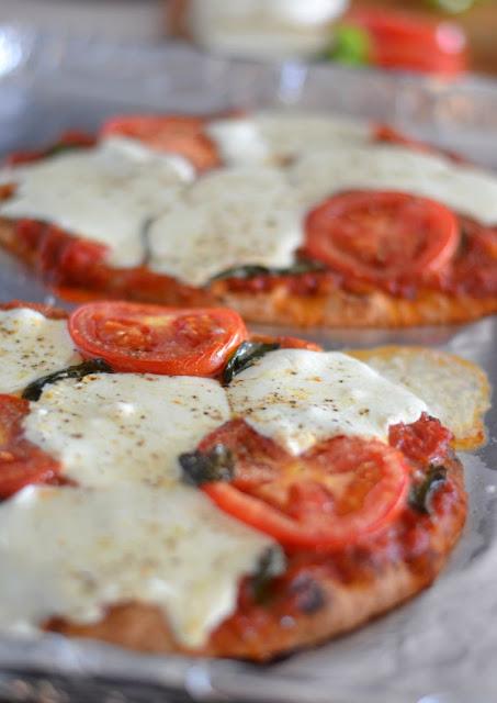 Mozzarella & Tomato Pizza