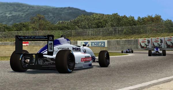 Pintura da 1ª equipe da H2O para o Fórmula XR é apresentado Lfs_00000517