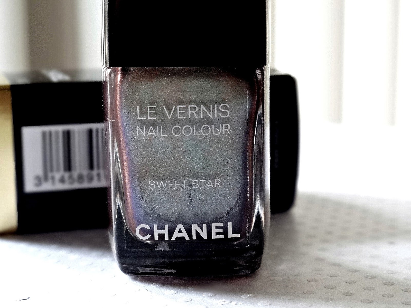 Chanel Le Vernis in Sweet Star Review, Photos & Swatches