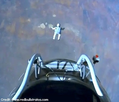 LIVE VIDEO - Mission To The Edge of Space –  Jumping From Capsule (3) 10-14-12