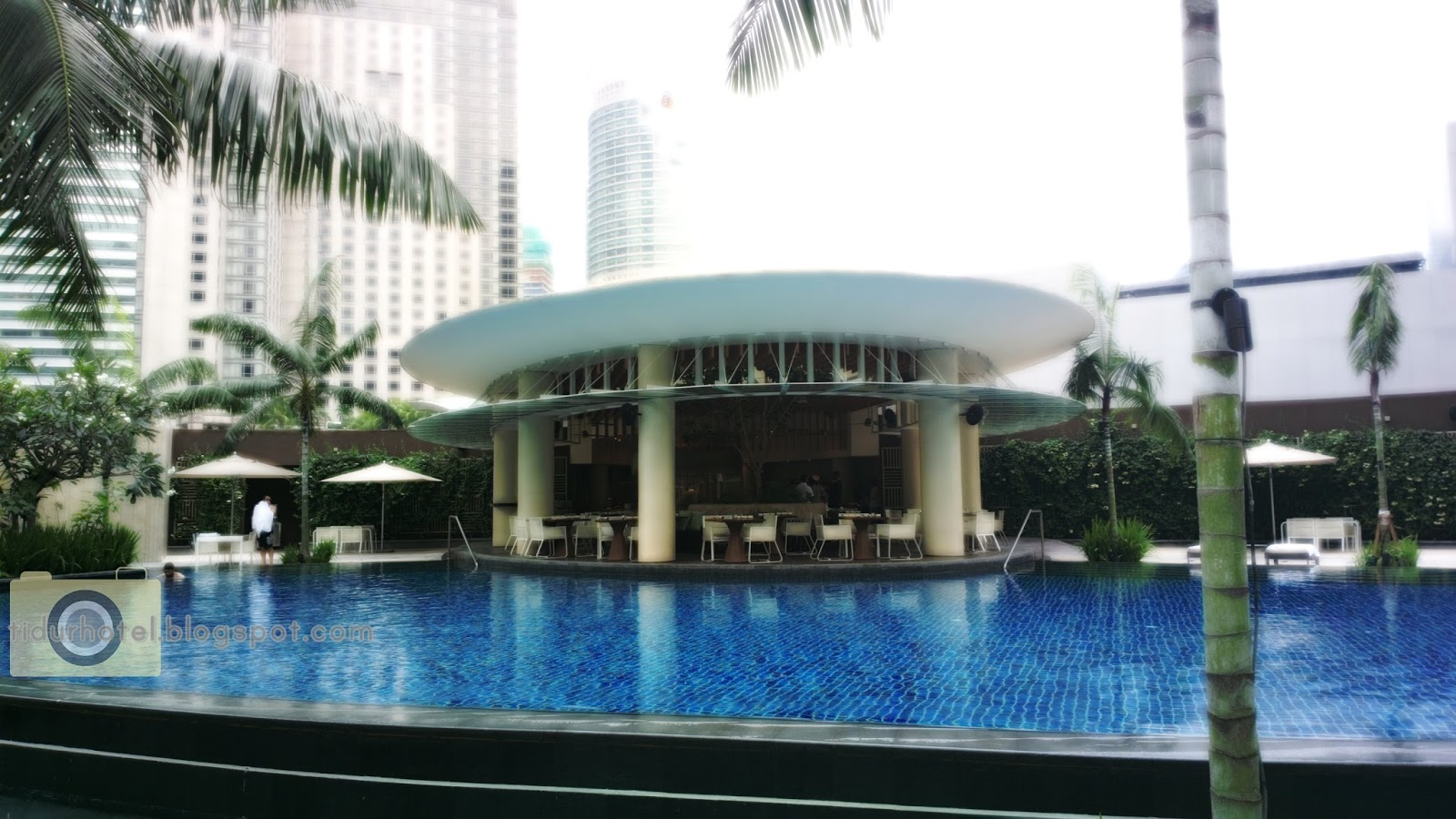 Jalan jalan makan makan grand hyatt kuala lumpur best hotel to stay in for Best hotel swimming pool in kuala lumpur