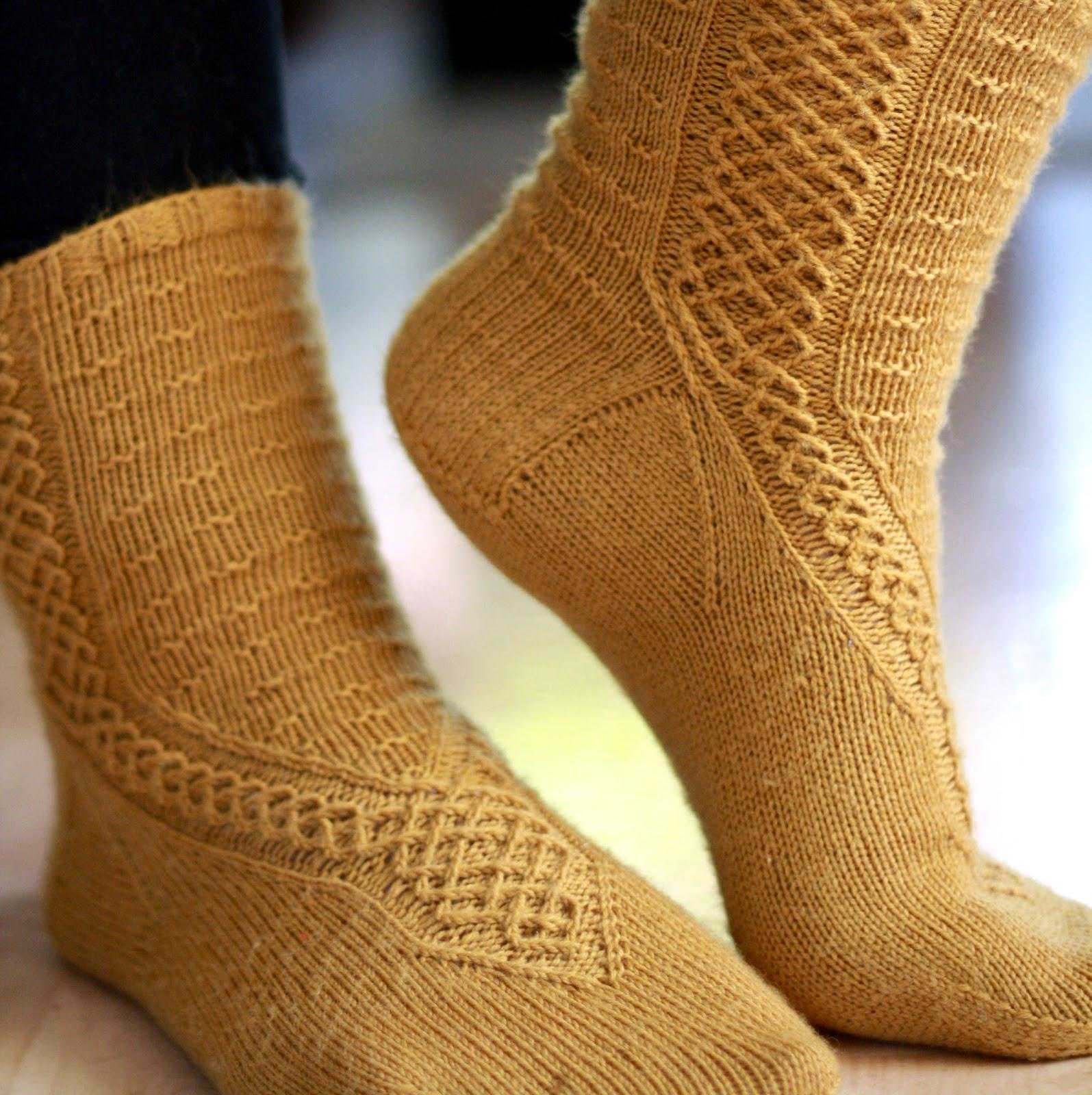 http://vihrealankablogi.blogspot.fi/2014/08/socks-of-elvenkind.html