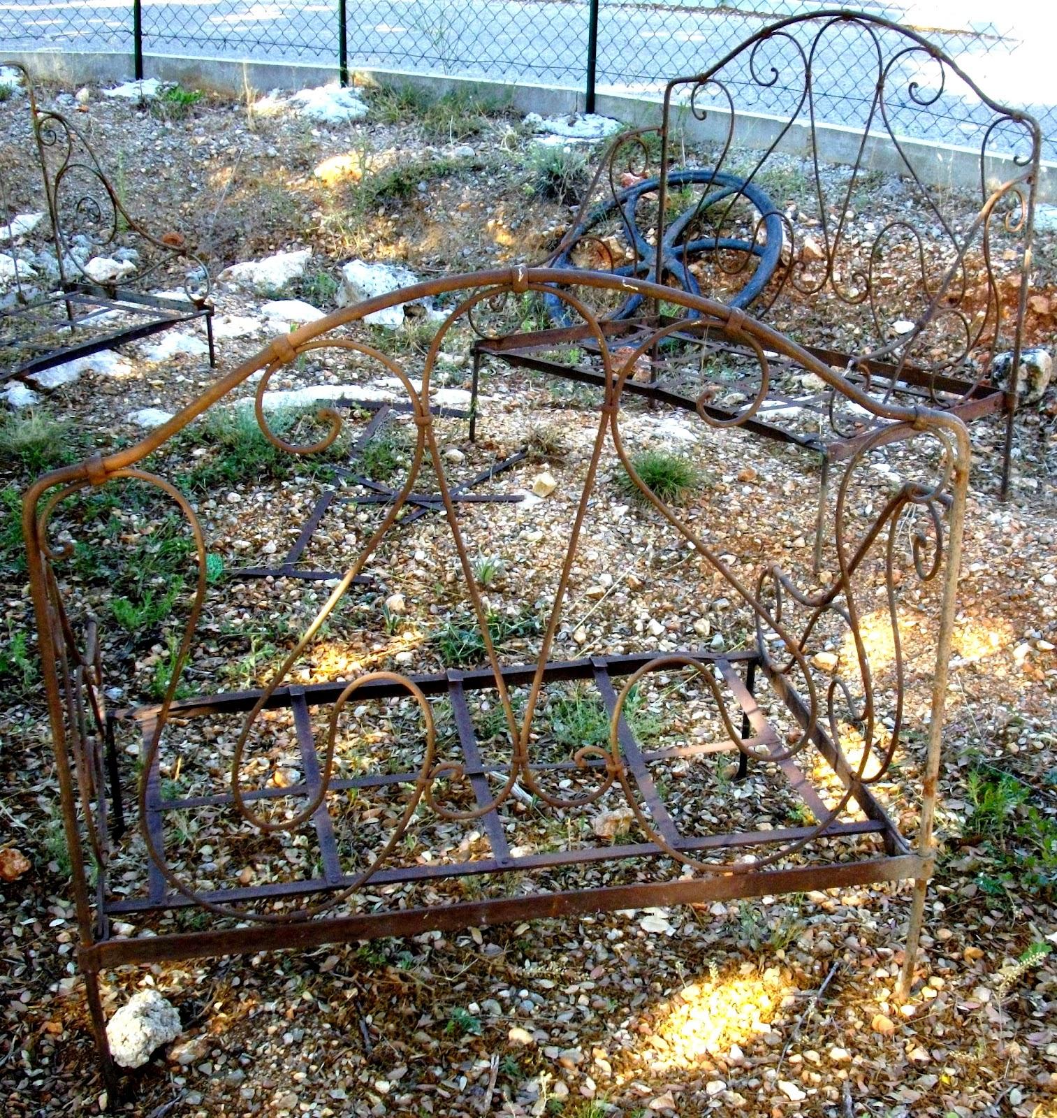 ancienne paire de banquette fauteuils pliantes en fer forgé salon de ...
