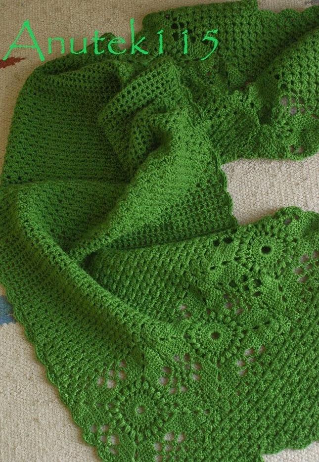 Zielony ciepły szal