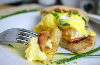 Eggs Benedict With a Simple Hollaindaise Sauce