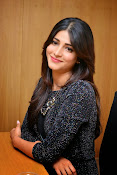 Shruti Haasan Glam pics-thumbnail-38