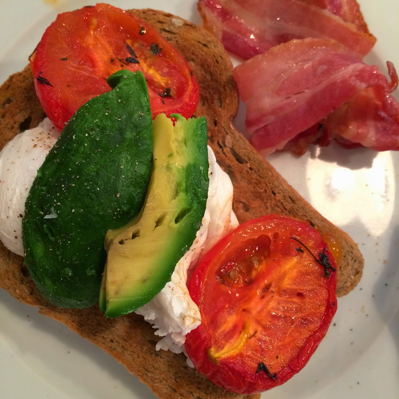 Tom's kitchen, toms kitchen london, poached eggs, avocado, breakfast, brunch, london breakfast, healthy breakfast, bacon, breakfast bacon, tomatos