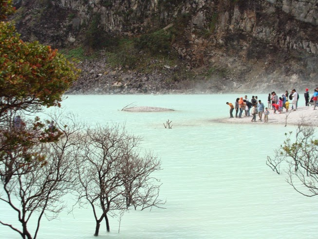 Wisata Di Bandung Kawah Putih