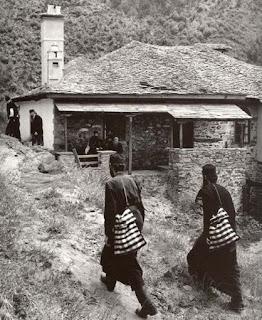 άγιον όρος μοναχοί