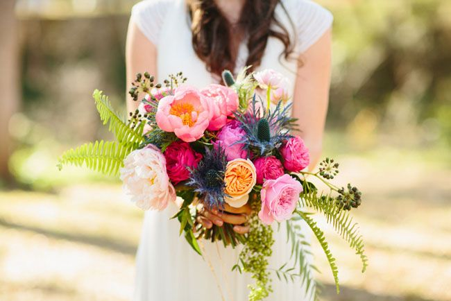 http://greenweddingshoes.com/galleries/bouquets/