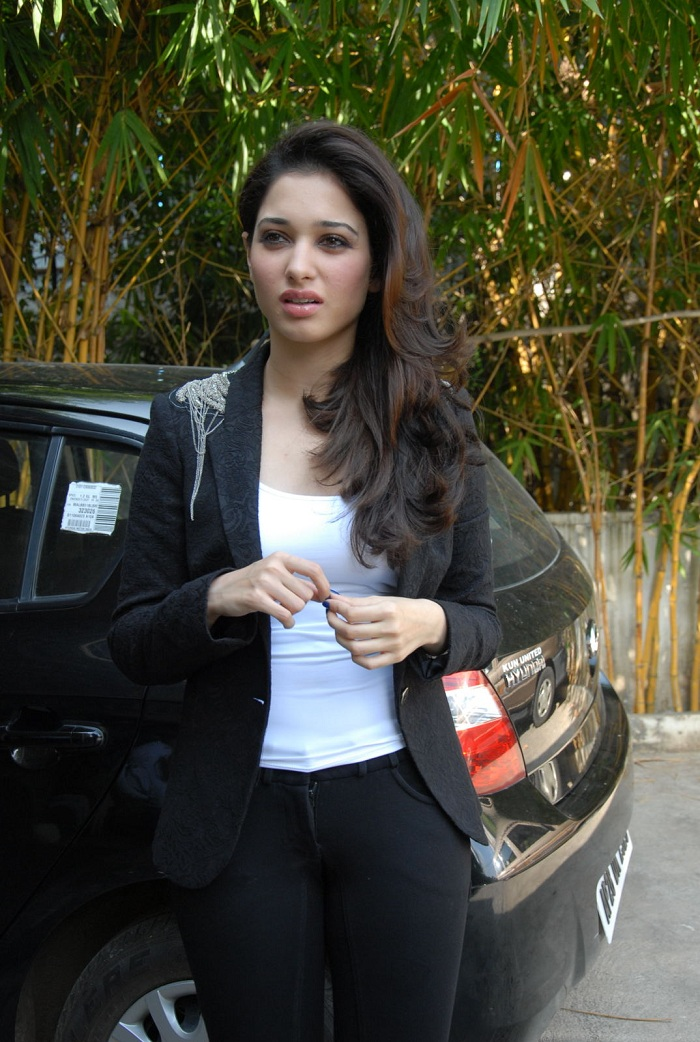 tamanna-images-in-black